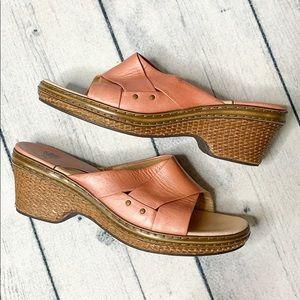 Sofft   Womans sandals   EUC
